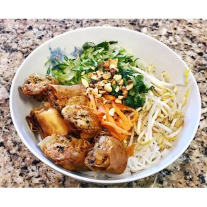 Vermicelli With Fried Egg Rolls