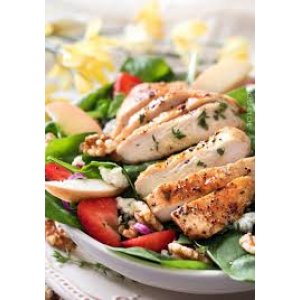 Bistro Salad with Grilled Chicken Bresats